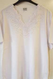 Nicole Lewis Plus Sized V-Neck Embroidered Tshirt - White