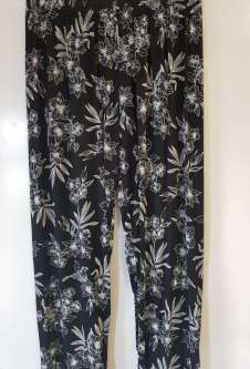Nicole Lewis Black/White Casual Patterned Trousers - Floral 4